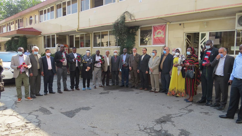 بازدید فعالان اقتصادی کنیایی از شرکت تیمن (چای رفاه لاهیجان)